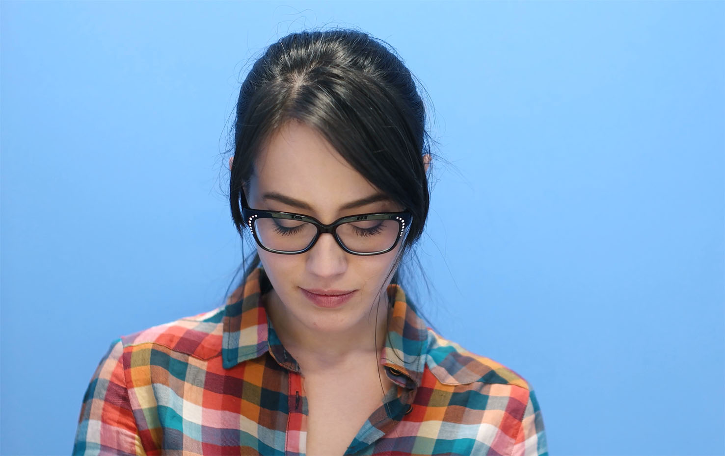 young-woman-wearing-glasses.jpg